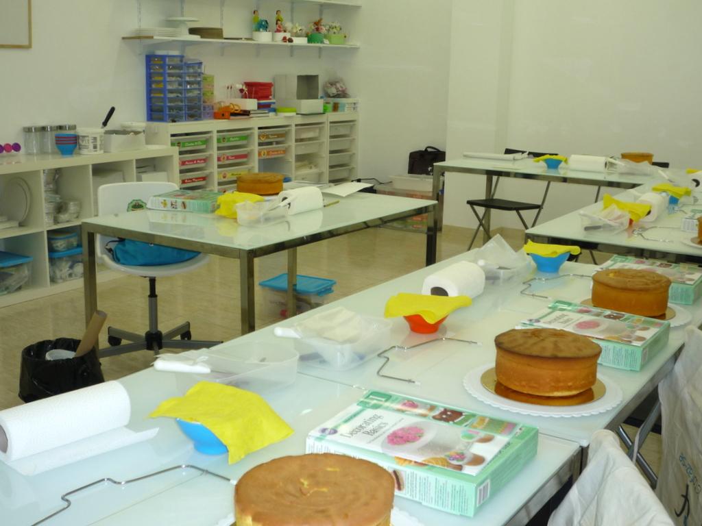 Sala de workshops de cake design e pastelaria algarve
