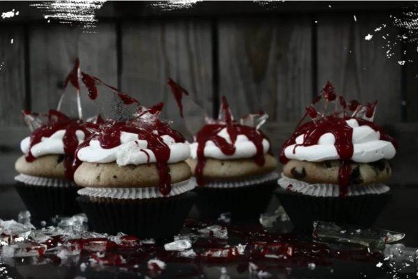 Vídeo – Cupcakes com Vidros e Sangue, ideais para o Halloween…
