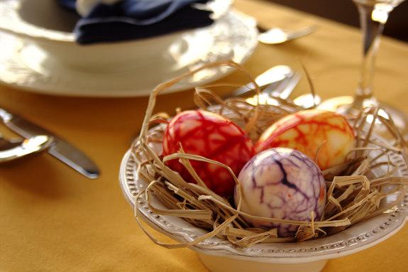 Sugestão de decoração da mesa da Páscoa pela Isabel Zibaia :)